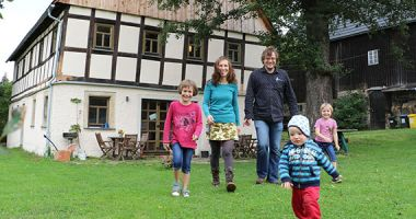 Newsbild Why young Erzgebirge people fill old walls with life